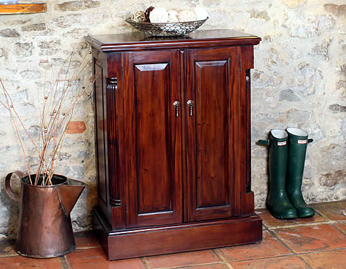 La Roque shoe storage cabinet