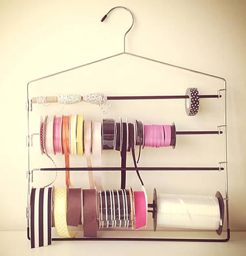 Ribbon storage hanger