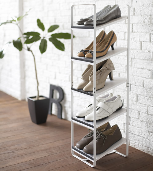 Vertical shoe storage rack