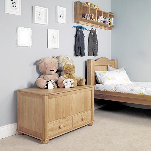 Solid oak toy storage box / blanket box