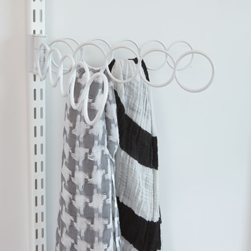Scarf and pashmina organiser