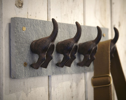 Cast iron and slate dog tails storage hook - esschert design / fallen fruits