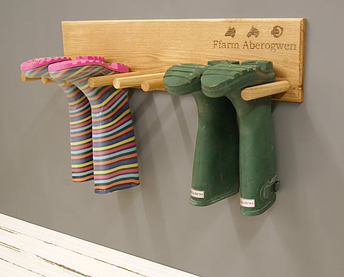 Solid oak 4 pair wall mounted welly rack