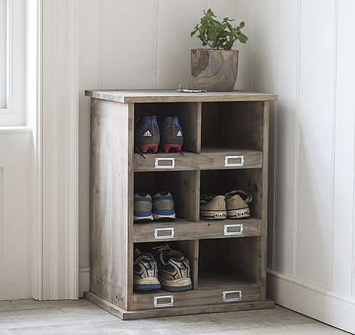 Spruce wood Chedworth shoe storage locker with 6 storage cubbies