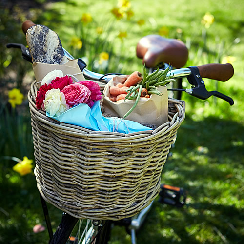 Traditional wicker bike basket