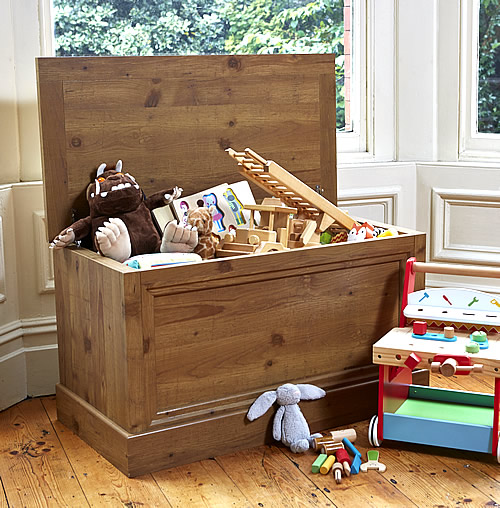 Oak foil veneer toy storage chest