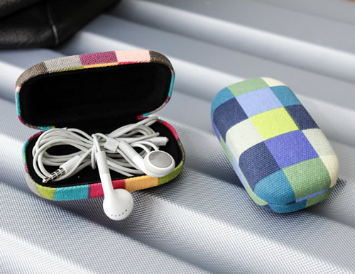 earphone  / headphone storage case