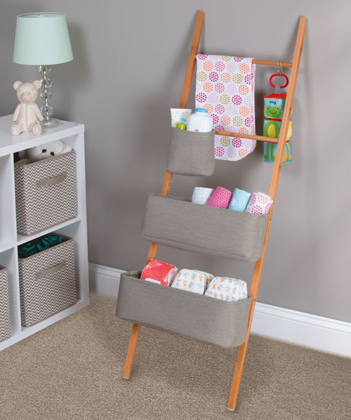 Bamboo ladder with 3 adjustable cotton storage totes