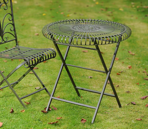 Powder coated steel garden table - Lucton